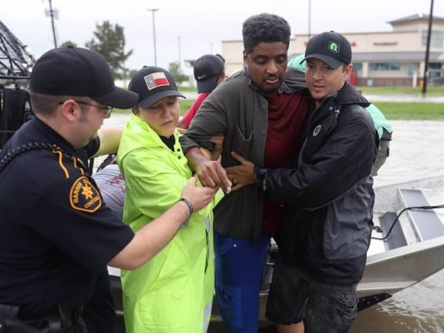 Hurricane-Harvey-Houston-Texas-helping-Getty-640x480